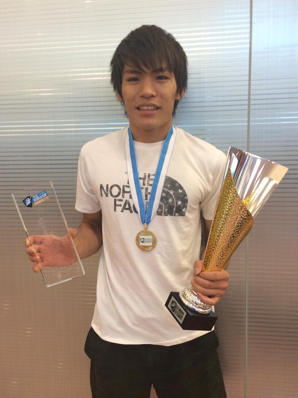 楢崎智亜選手 日本代表としてIFSCクライミングワールドカップ ボルダリング2016で総合優勝