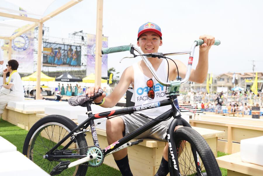 "BMXライダー""中村輪夢"""