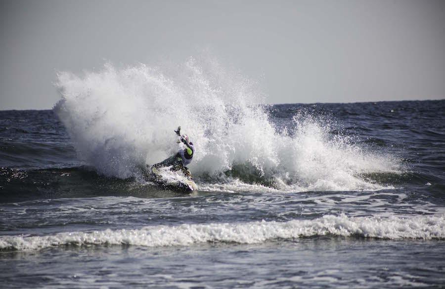 Motor and surf scramble