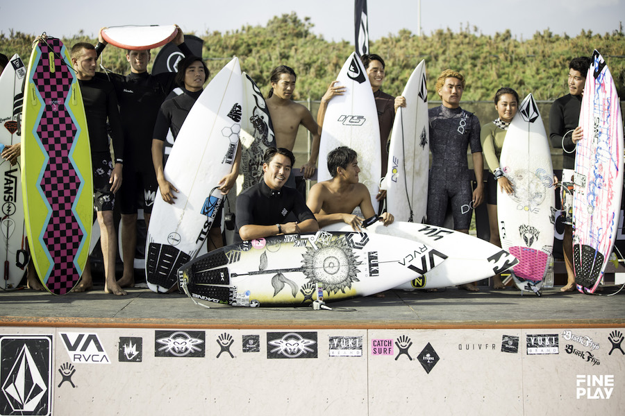 THE MOMENTS of THE SURFSKATERS