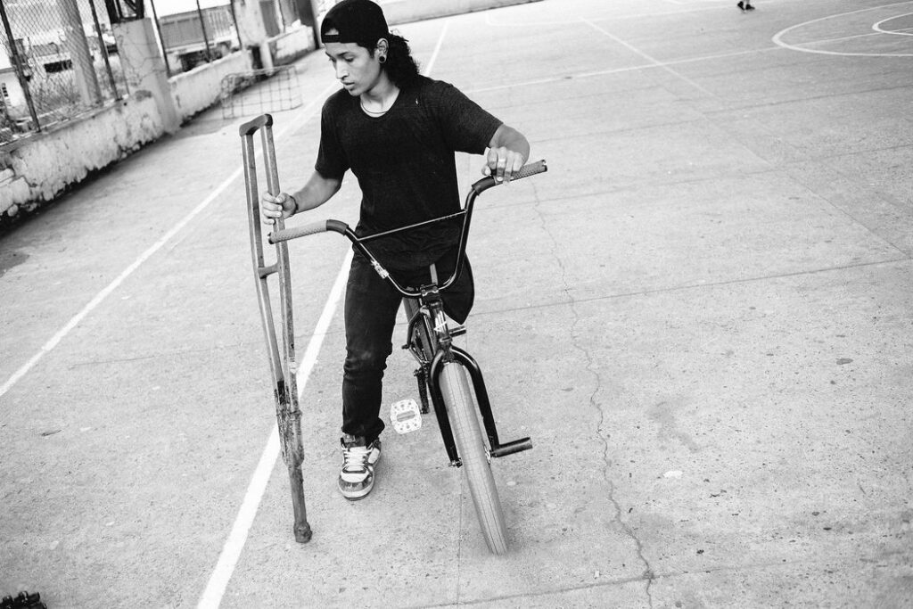 Julián Molina - Crutch Free