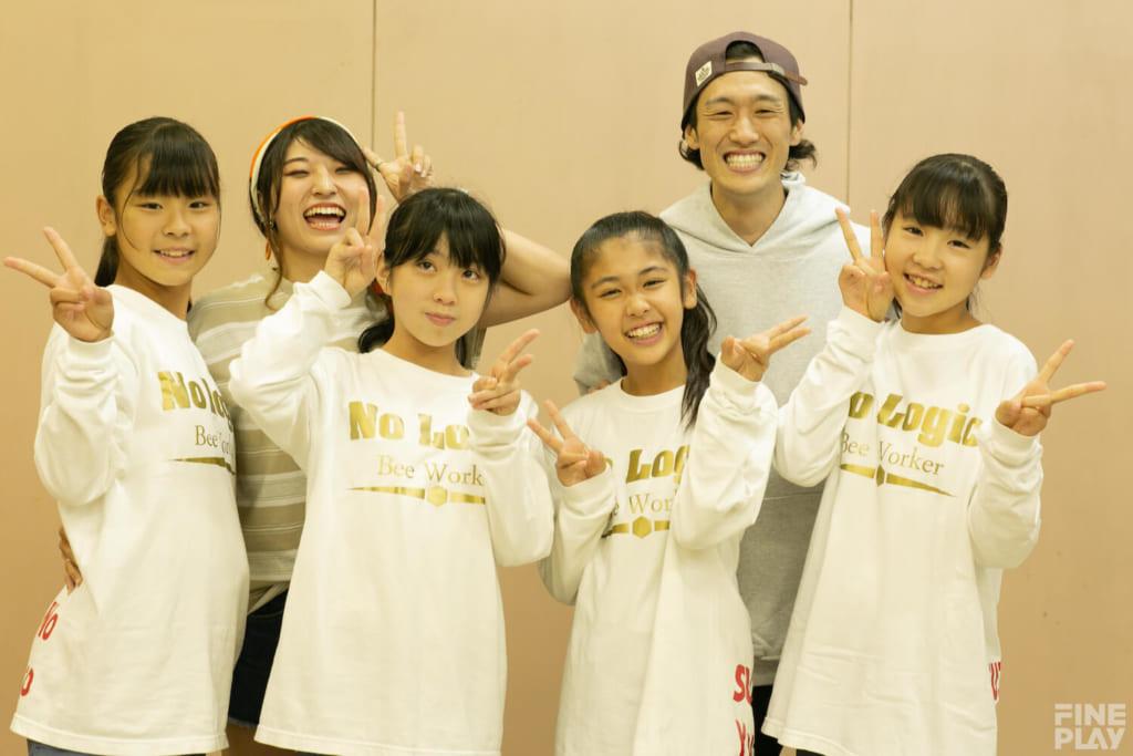 大森D.D.S 写真上段左からコーチのはち、dash、下段左からNo LogicのSUZU、Yu-Yu、Pico、Nono / photo by HAMASHOW
