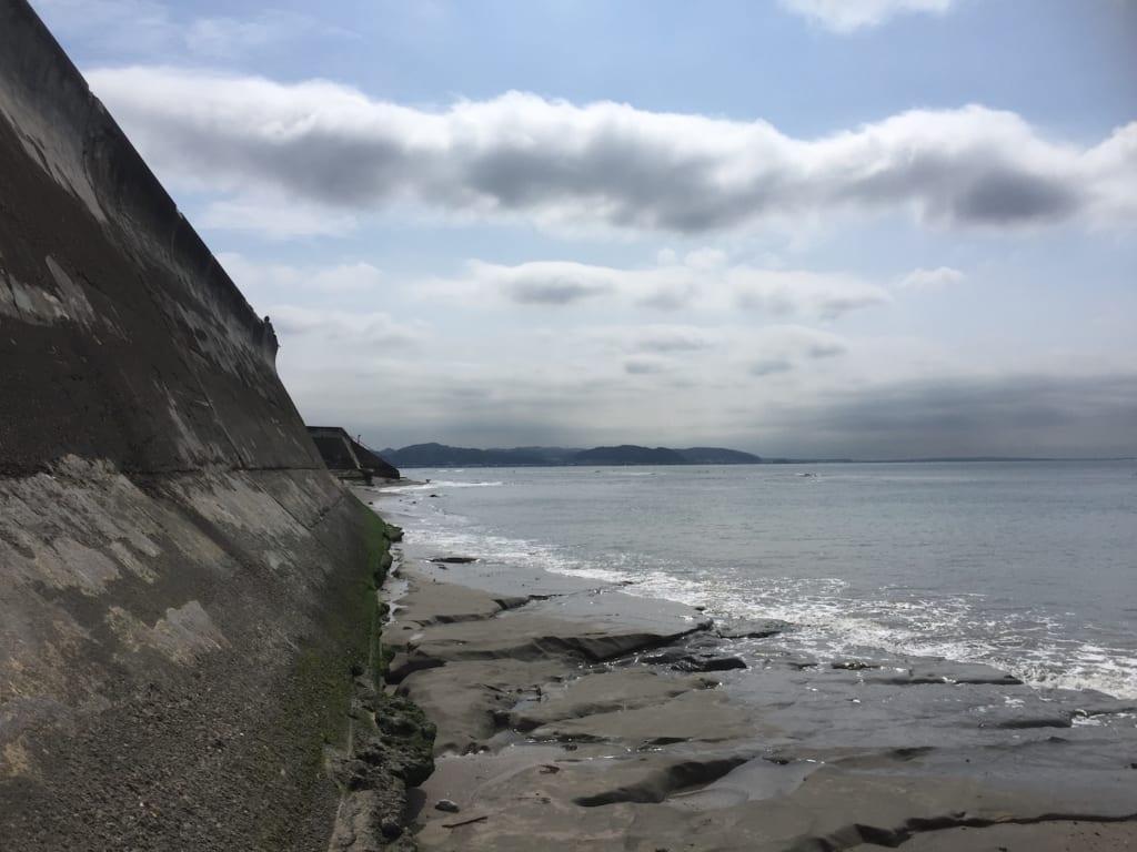 「初めてこの光景を見た人には、何も感じることはないと思うが、長年親しんだ海岸線の砂浜の変化には感傷的にならざるをえない」 / photo by Surf Voice