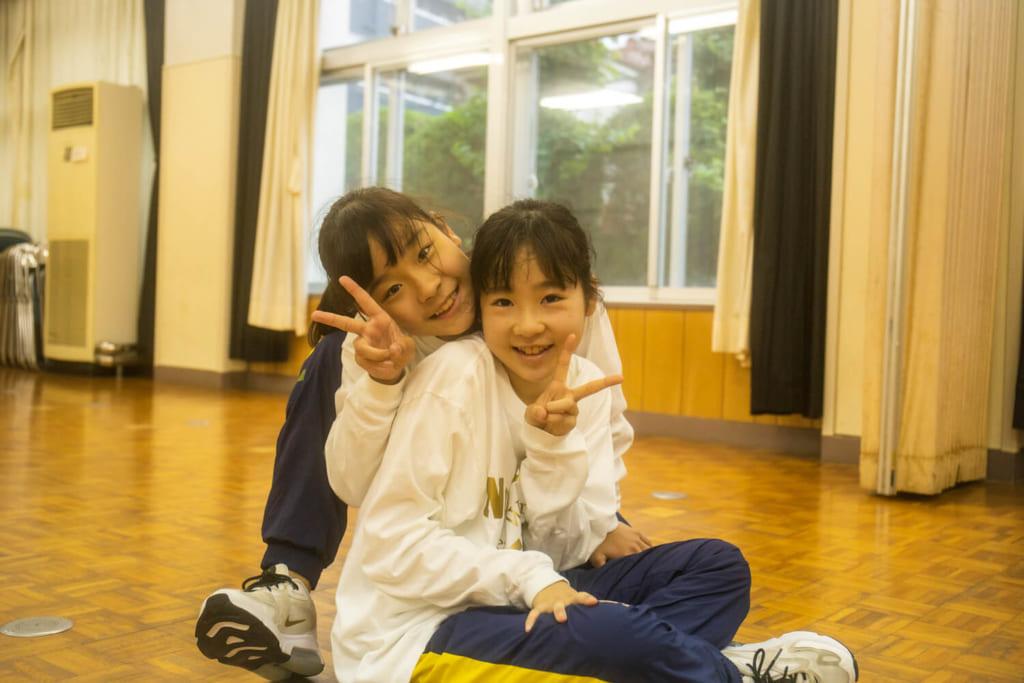 「レッスン中はコーチと生徒という関係ですが、それ以外の時間は友達同士のような関係です」/ photo by Tetsuya Okada