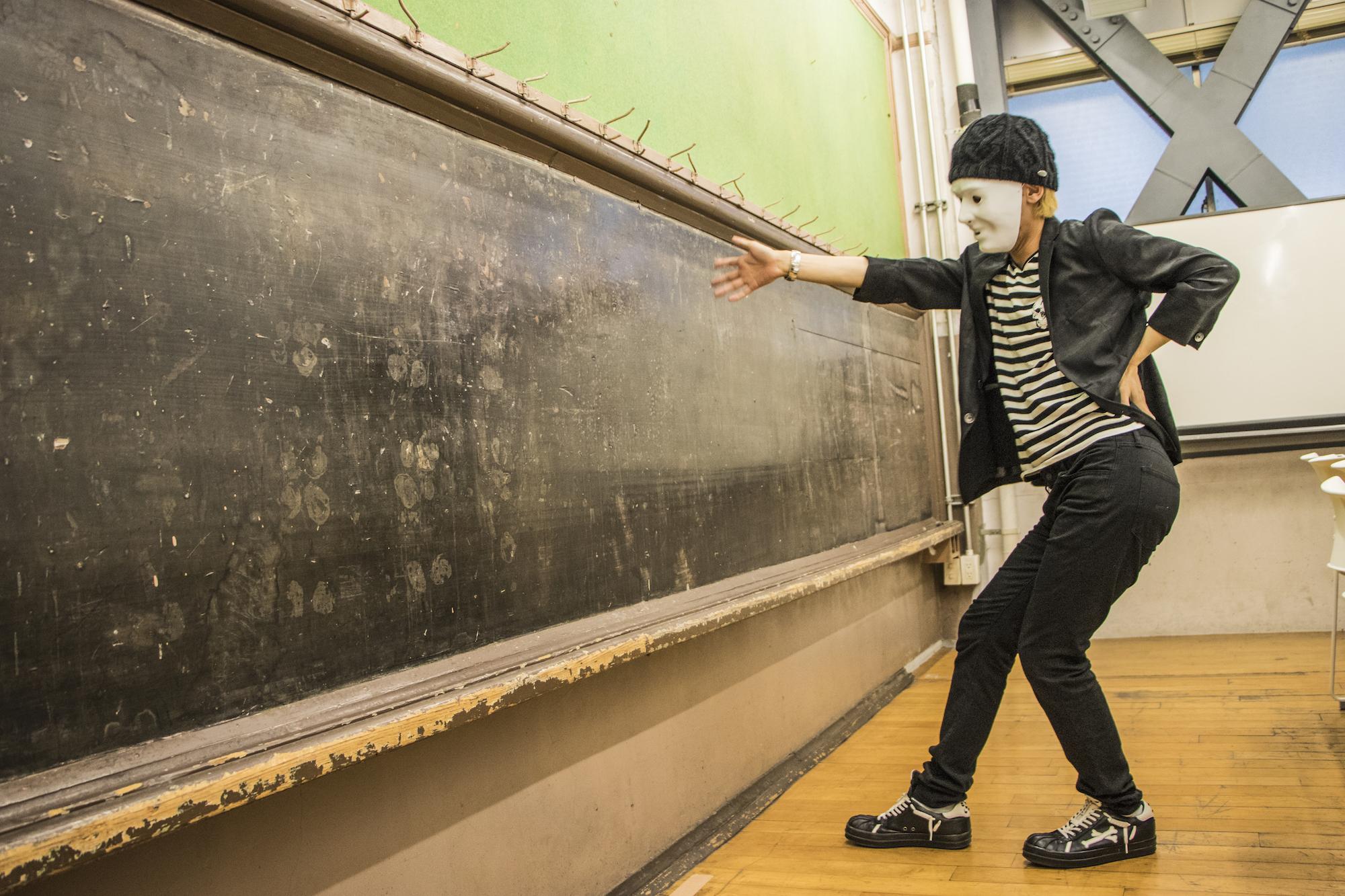 フリースタイルダンサー「ひとりでできるもん」